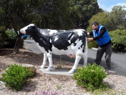 Lending a Hand - Cowaranarup, Western Australia - Cycling Across Australia