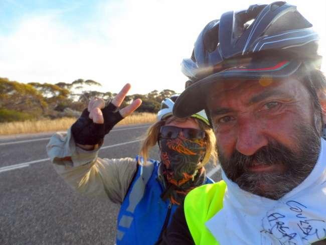 2000 km - Cycling Across Australia