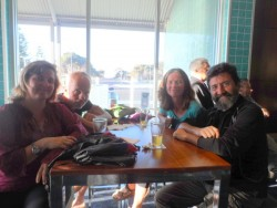 Drinks with new friends - Jelle and Carla - Dutch Cyclists - Cycling Across Australia