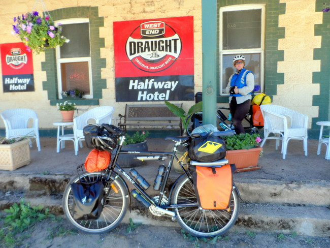 Halfway Hotel - Oodlawirra South Australia, Cycling Across Australia