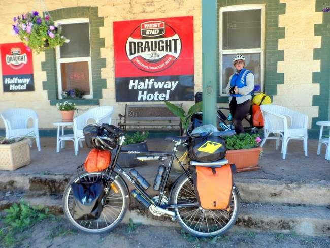 Halfway Hotel - Oodlawirra South Australia, Cycling Across Australia