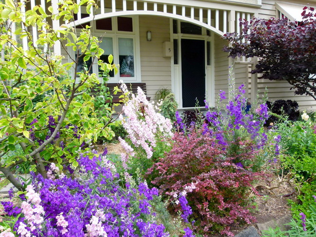 Beautiful Cottage Garden, Port Fairy, Victoria - Cycling Across Australia