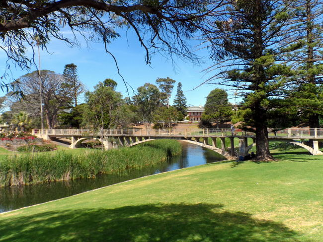 Park in Strathalbyn, South Asutralia - Cycling Across Australia