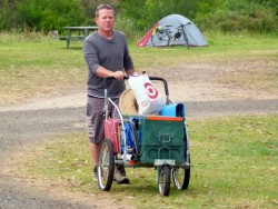 Jamie pushing his cart across Australia, Genoa, Victoria