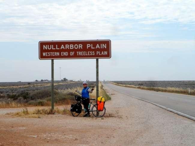 The Treeless Plain - The Nullarbor - Cycling Across Australia