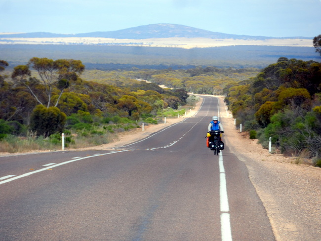Roads in Country South Australia - Cycling Across Australia