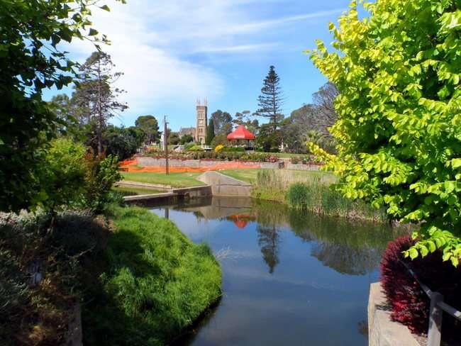 Park in Strathalbyn, South Australia - Cycling Across Australia