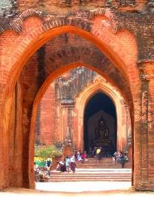 Myanmar photos -Temple at Bagan