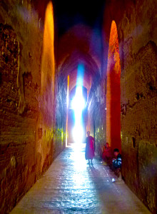 Myanmar photos - Monk against the light - Temple at Bagan