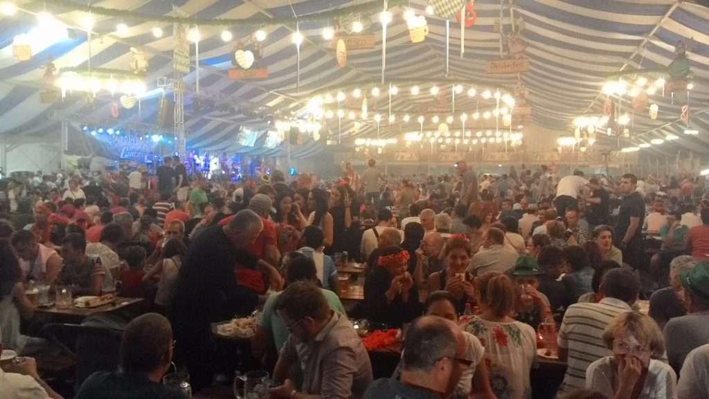 Octoberfest - Brasov, Romanai