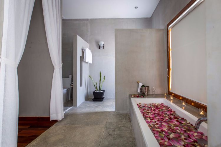 Bathroom - Tresor D'Angkor Suite Siem Reap