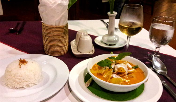 Chicken Curry - Restaurant Tresor D'Angkor Suite